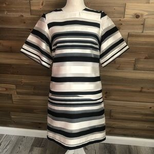 ❤️H&M Black and cream striped shift dress size 4❤️